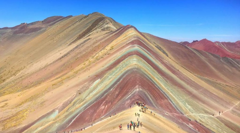 "Hiking matters #509: Vinicunca (5035m) in the Andes, Peru's famous ""Rainbow Mountain"""